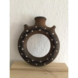 Round vase for hanging